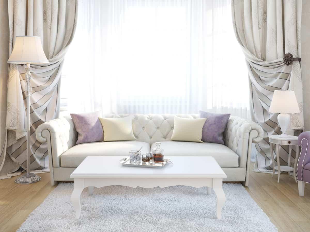 фото интерьера, вид на диван